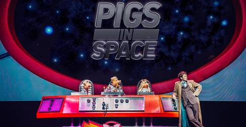 The Doctor Who/Pigs In Space Crossover You Didn't Know Existed (And Can't Live Without)